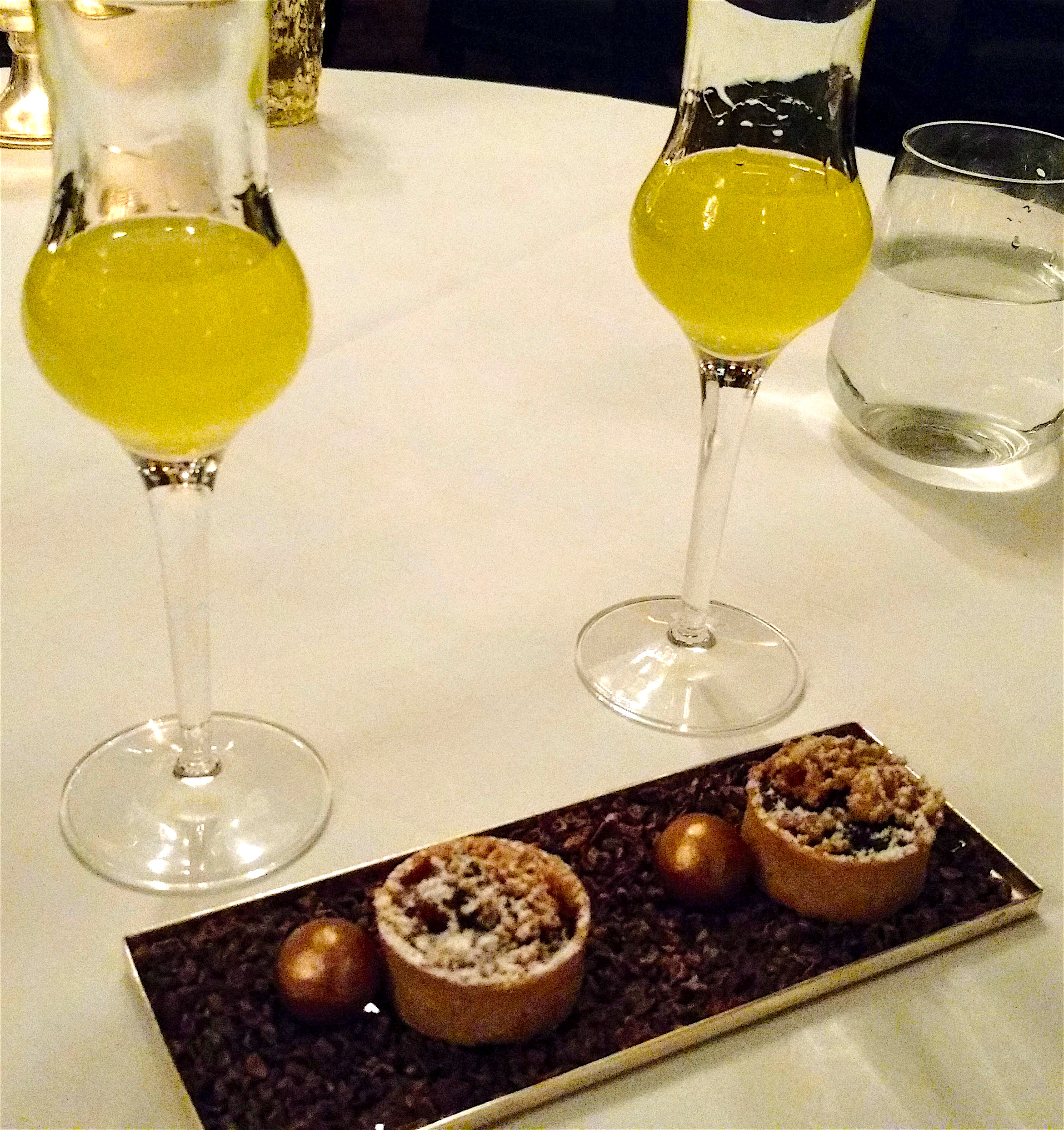 limoncello-and-mince-pies-at-the-savoy-hotel-the-strand-london